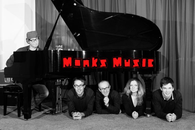 bandbild_monks_musik_mit-schrift